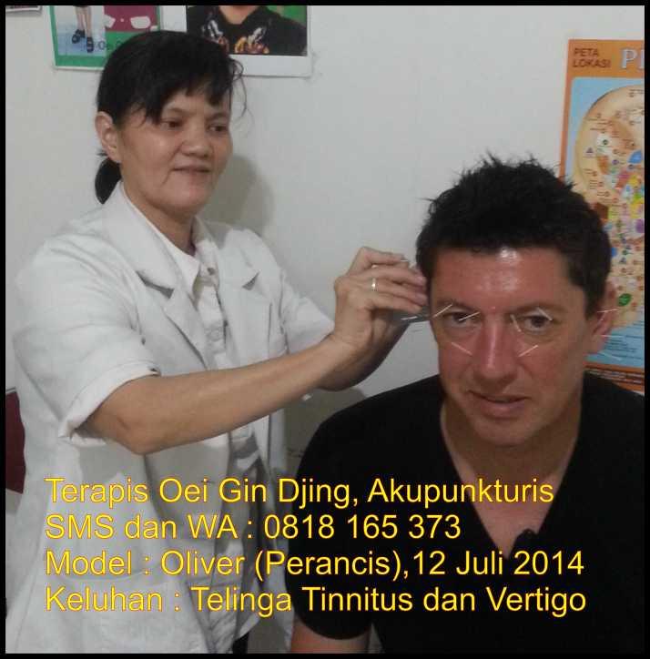 Terapis Oei Gin Djing, Akupunkturis